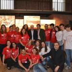 Il gruppo dei volontari con il Sindaco di Milano
