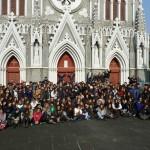 Il grande gruppo dopo la celebrazione eucaristica