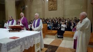 Padre Vitangelo Denora S.I. presiede la concelebrazione natalizia