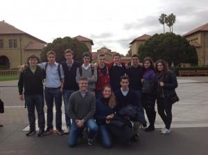 Davanti alla Stanford University