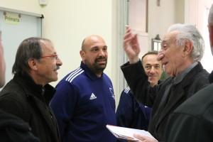 Il nostro padre Ceroni informa il ct Brunuel della lunga tradizione sportiva del Leone XIII