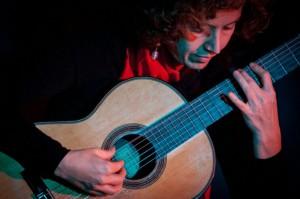 Alessandra e la sua chitarra