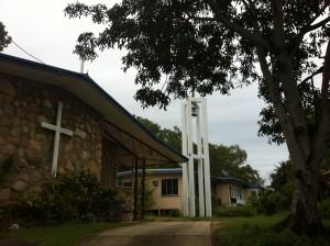 La Chiesa e la casa parrocchiale