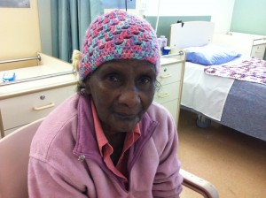 Losguardo penetrante di un'anziana aborigena