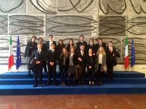 I ragazzi della V Classico in visita alla collezione di arte moderna della Farnesina