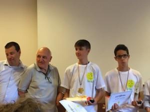Da sin. i proff. Alfredo Lulli e Paolo Ferrario; Luca Previdi e Leonardo Bianchi