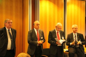 I capi delegazione: da sin. I proff. Paolo Tenconi, Antonio Bertolotti, Pierre Vinck,  Andreas Guenterberg