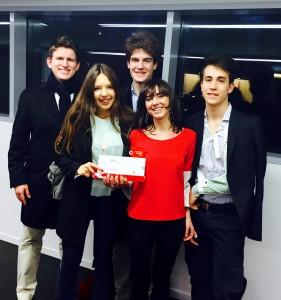Da sin., raggianti, Filippo. Lucrezia, Gerolamo, la prof. Francesca, Andrea.