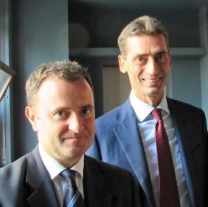 Il prof. Andrea Sironi (a destra) con il prof. Vincenzo Sibillo, preside dei Licei