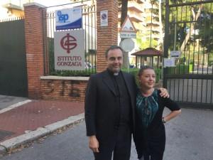 Padre Eraldo Cacchione con la prof.ssa Gaia De Vecchi