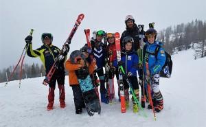 Giovani sportivi con il prof. De Gaspari